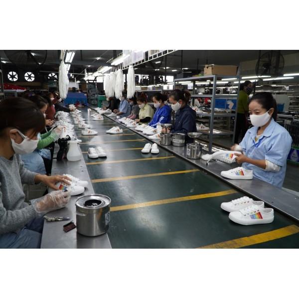 Hệ thống làm mát cho nhà xưởng sản xuất giày da
