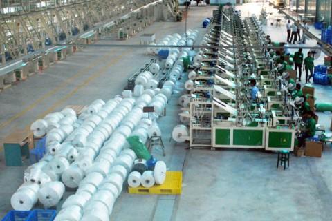 Giải pháp làm mát nhà xưởng sản xuất nhựa